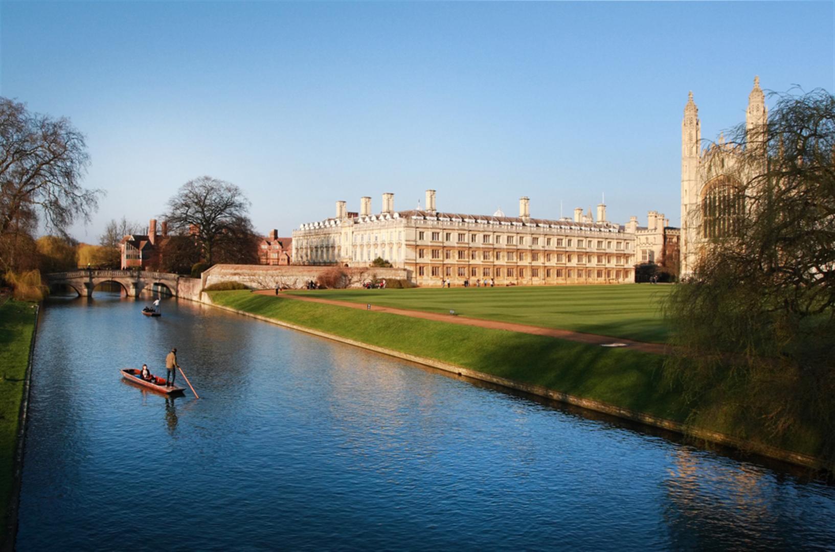 Punting-Tours-Cambridge1.jpg